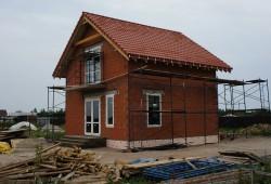 Уютный кирпичный домик