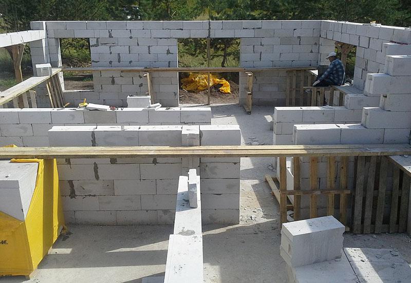 Гараж из бетонных блоков своими руками фото 79